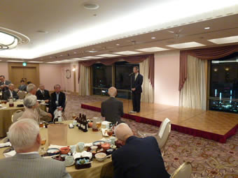 岩見さんら誕生会−挨拶 江田五月|活動日誌|2012年9月25日