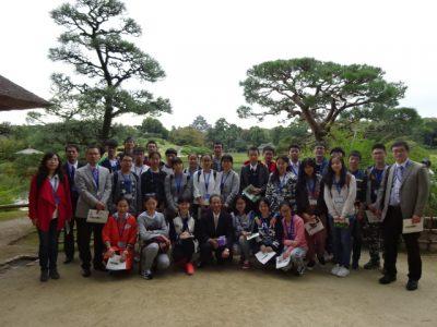中国高校生らと後楽園で