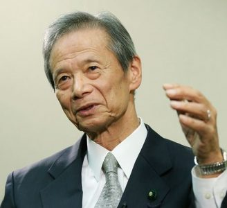 インタビューに答える江田五月元参院議長=1日、東京・永田町の参院議員会館