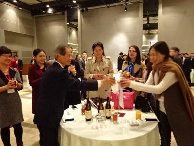 中国青年代表と懇談