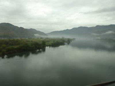 朝靄の吉井川